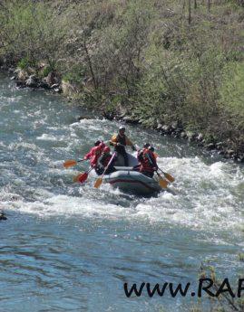 Филмче от рафтинга по река Искър