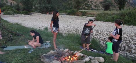 Детски лагер на река Струма